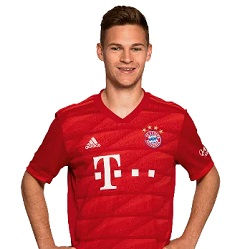 Picture of the 1.76 m (5 ft 9 in) tall German right back of Bayern Munich