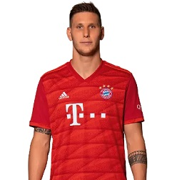 Picture of the 1.95 m (6 ft 5 in) tall German centre back of Bayern Munich
